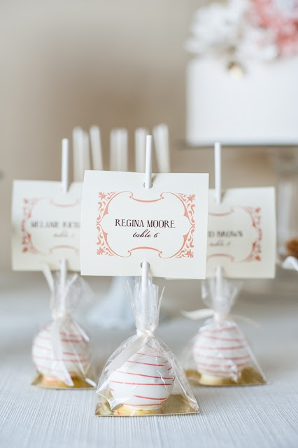 6 Ways To Incorporate Cupcakes & Cake Pops At Your Wedding | Haute ...